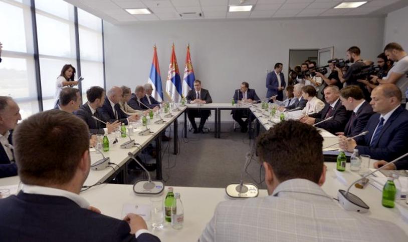 Председник Вучић са представницима Срба из региона